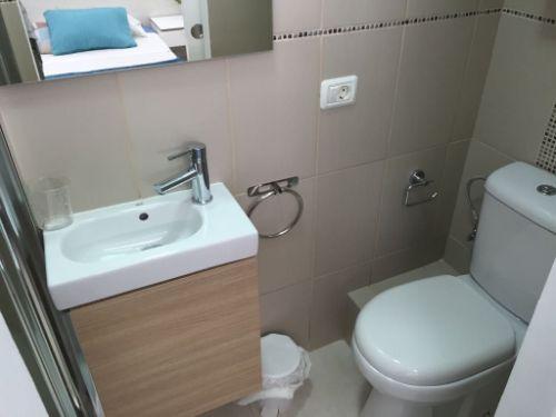 Appartement Arona Badezimmer